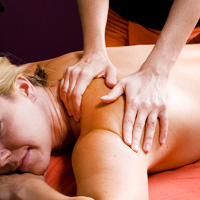 featured-services-sports-massage-blue-giraffe